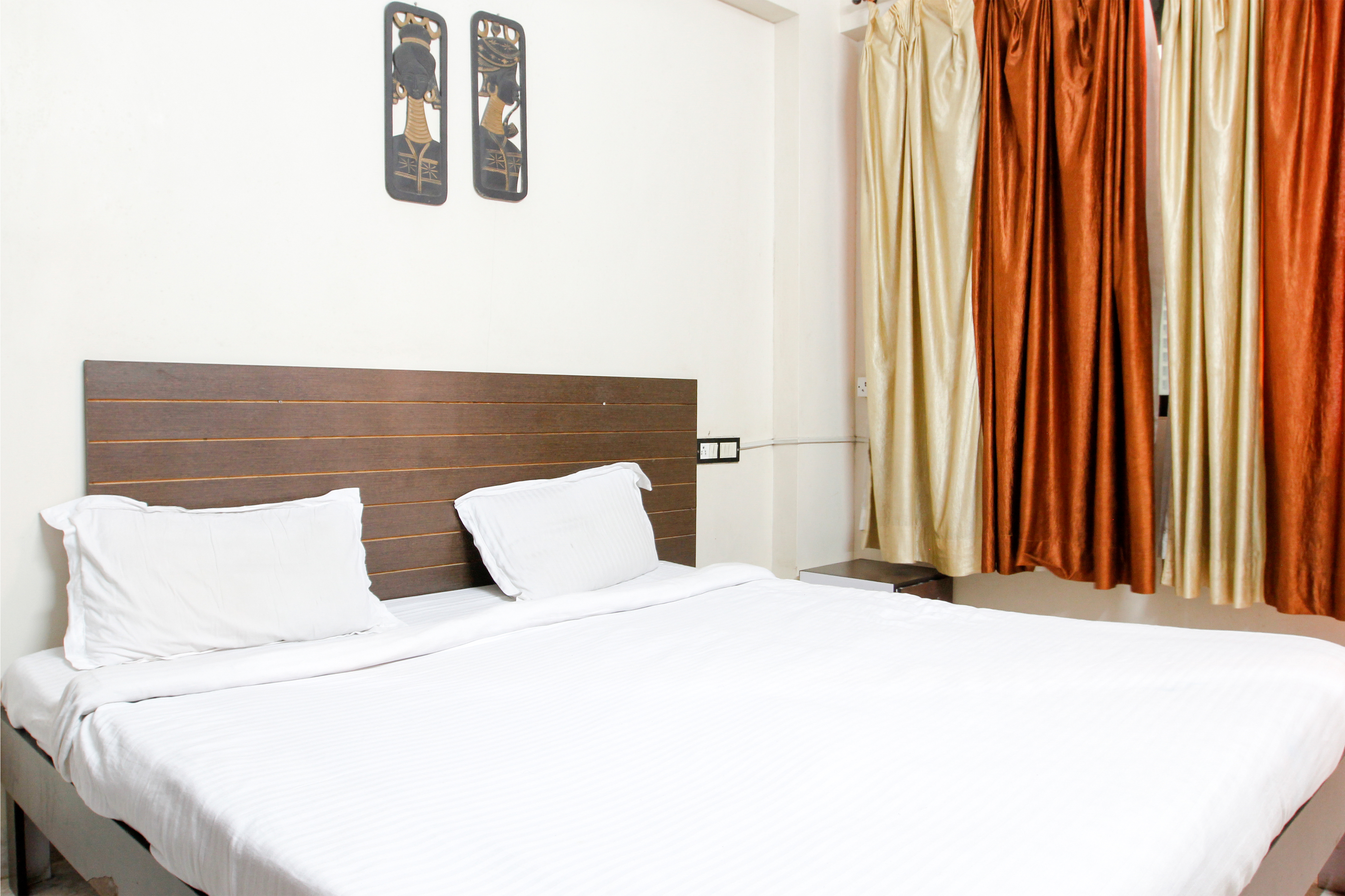 service apartment in hiranandani powai